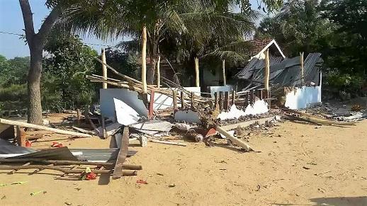 SRI LANKA: Church building destroyed by Buddhist mob