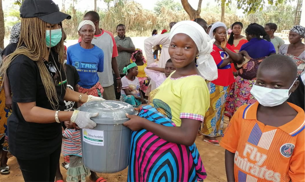 NIGERIA: Covid-19 aid distributed to victims of recent attacks